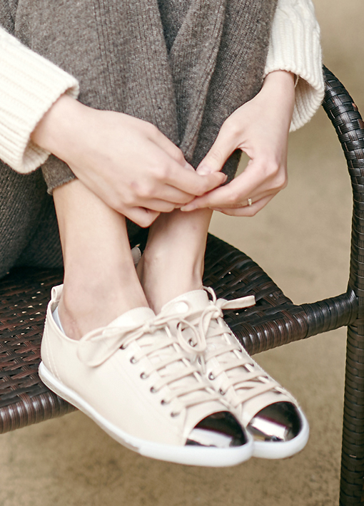 VT / 2458 Enamel Sneakers