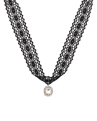 Swallows lace choker N
