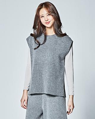 (1FVT008) Slit line Knit Vest