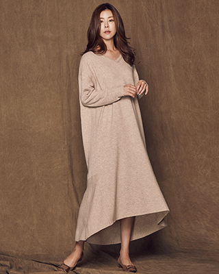 (1FOP052) Vince V-neck Wool One Piece