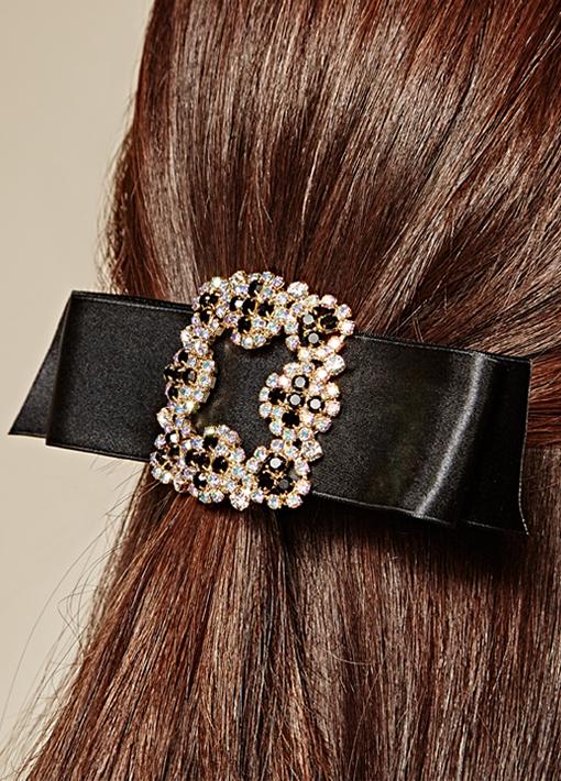 Raju cubic bowknot pin