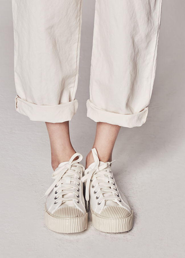 (2SSH042) 301 Canvas Sneakers