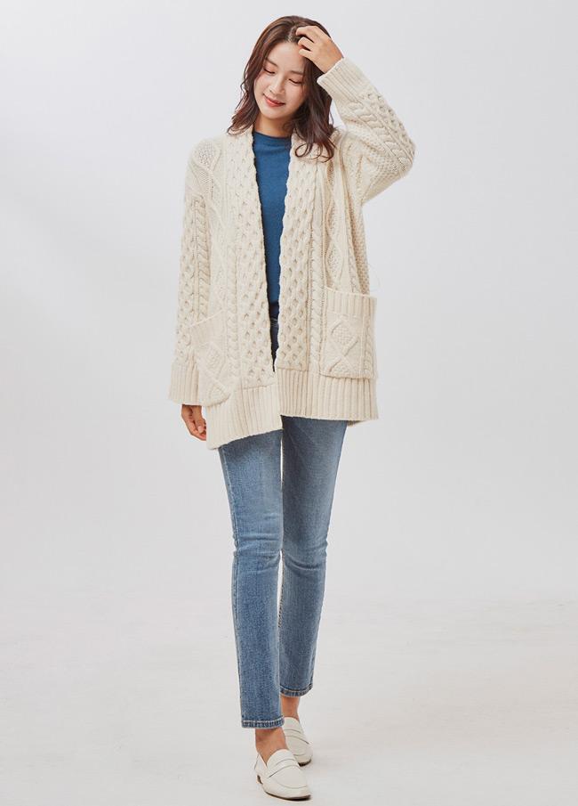 (2FCD022) Wool Twiddle Belt Cardigan