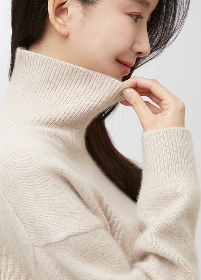 (2FNT064) Merino wool Turtleneck Knit