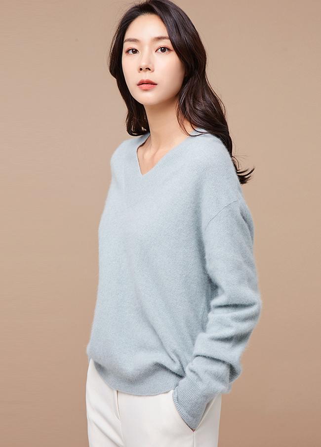 (3FNT095) Natural Wool V-neck Knit